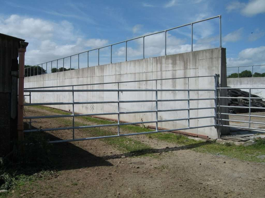 20ft gate with brace 3